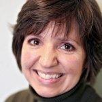 Helen Karakoudas headshot